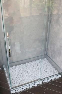 Box doccia con fondo in vetro