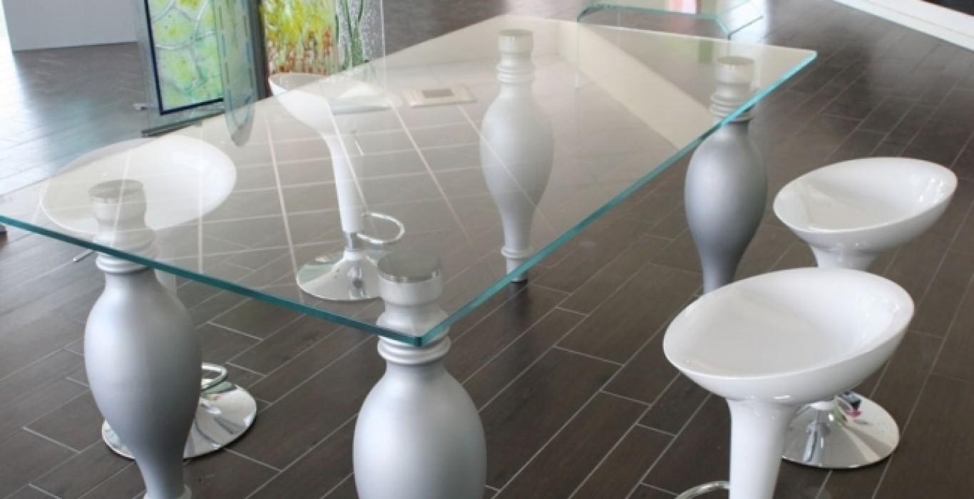Ripiano In Vetro Per Tavolo.Tavolo Con Ripiano In Vetro Trasparente