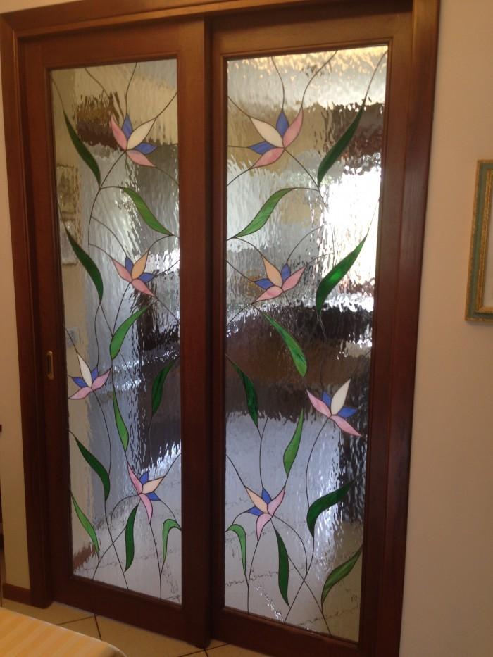 Vetrate artistiche e vetri decorati foto - Vetri decorati per porte interne classiche ...